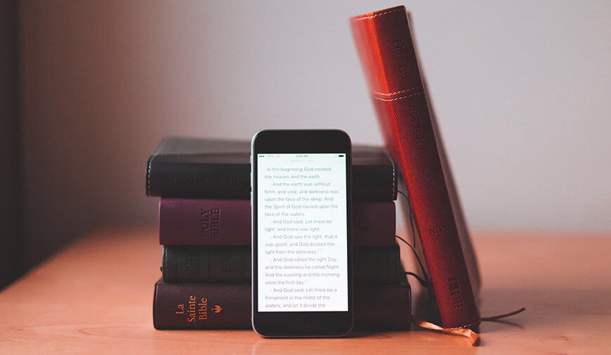 10 Best Bible Apps for Android and iPhone Devices