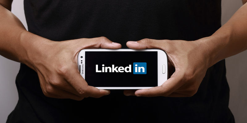 Why Standardized Approach was a Better Option for Changing the LinkedIn Mobile App