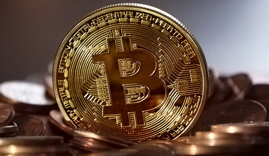 https://dk2dyle8k4h9a.cloudfront.net/Facebook To Ban All CryptoCurrency Ads And ICO\'s