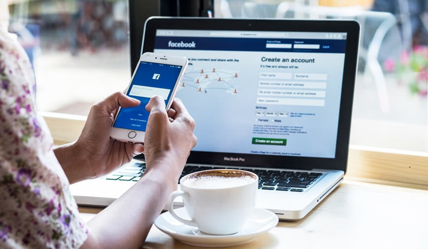 Are You Logging In With Facebook Safely?